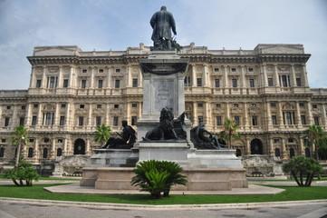 Statue of Camillo Cavour