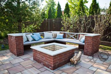 Место для отдыха в саду / Rest place in the garden