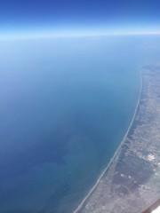 飛行機からみた水平線