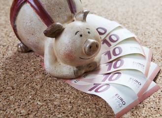 économies et cochon tirelire