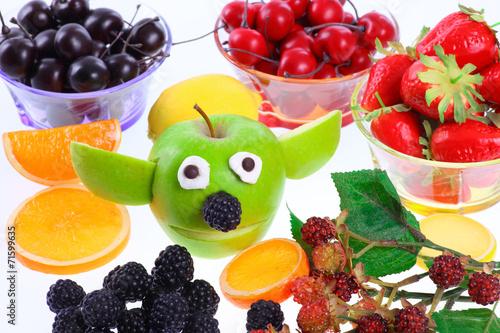 Poster Apfel - Yoda mit Deko-Früchten
