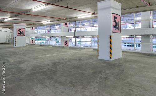 Indoor empty parking lot - 71605044
