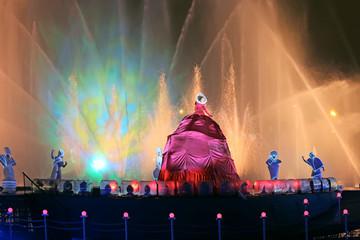International show Circle Of Light