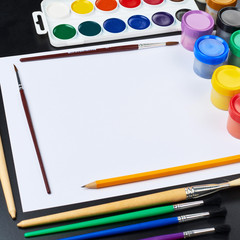 Multiple drawing paints and brushes