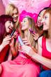 canvas print picture - Frauen feiern Junggesellinnenabschied mit Sex Toys