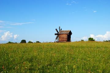 Мельница в поле