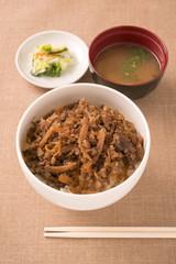 牛肉とごぼうの煮物、牛丼風