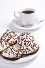 Cookies with marshmallow and coffee