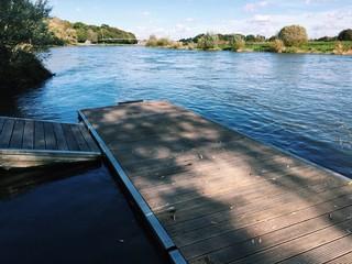 Steg im Fluss