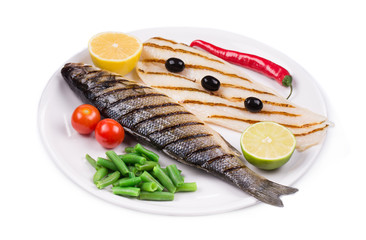 Grilled fishes with vegetables