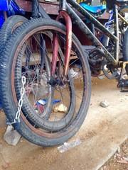 lock bicycle
