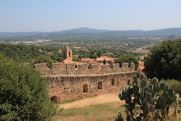 Ruines du château de Grimaud (Var)
