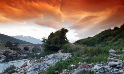 Cairn et pont gènois sur le Tavignano