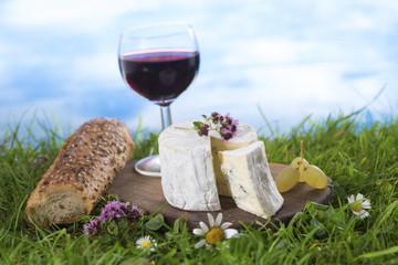 Tradition Française , fromage , pain et vin