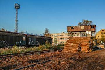 Holzkran Beladung Bahngebiet