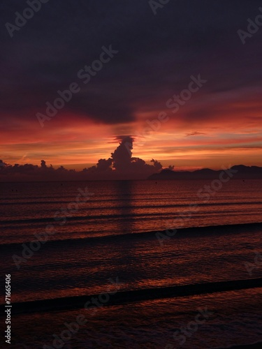 canvas print picture Morgenrot bei Sonnenaufgang am Meer