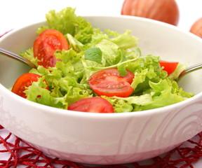 Grüner Salat mit Tomaten