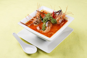 sour and spicy of shrimp soup