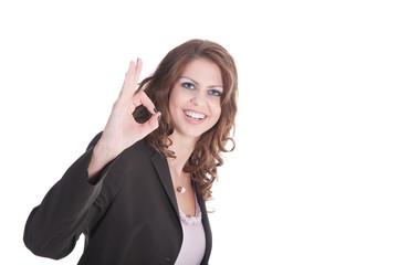 Junge sympathische Frau zeigt alles OK Zeichen