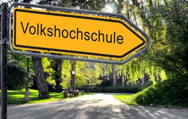 Strassenschild 25 - Volkshochschule
