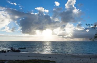 lever de soleil sur anse Ally, île Rodrigues