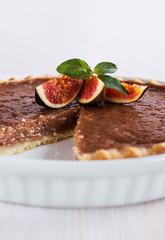 chocolate caramel tart with figs