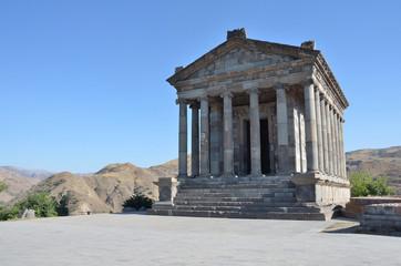 Армения, языческий храм Солнца в Гарни, I век
