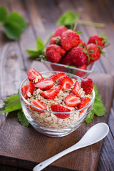 Oat flakes with strawberries