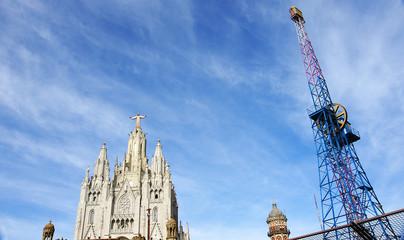 Atalaya y templo en el Tibidabo de Barcelona