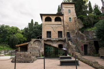 Sepolcro degli Scipioni, esterno - Roma