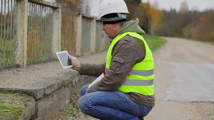 Engineer filmed with tablet PC damaged bridge