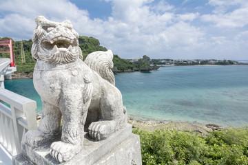 宮城島からシーサーと伊計島