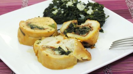 Roast chicken with spinach and ham