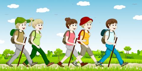 Eine Gruppe Menschen beim Wandern