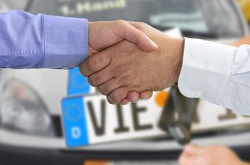 Autokauf mit Handschlag