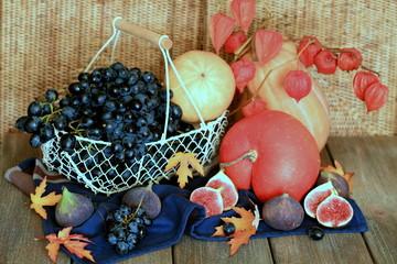 Виноград с инжиром и тыквы