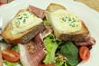 salade composée avec toast au chèvre