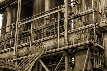 Stahlwerk Ruine Industrie mit Sepia Effekt