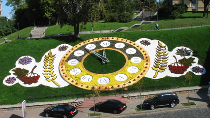 timelapse famous large floral clock at center Kiev, Ukraine