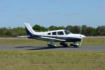 Light propeller airplane