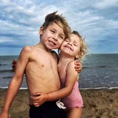 children fun at sea