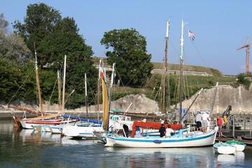 port ostréicole,le chateau d'oléron,île d'oléron