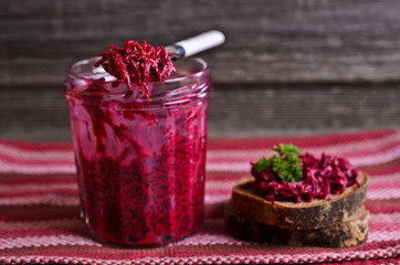 Sandwich with beet