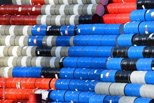 Leinwanddruck Bild Fässer, Tonnen, Lagerung, Oel, Öl, Chemikalien, Barrel