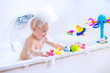 Leinwanddruck Bild - Funny baby in bath