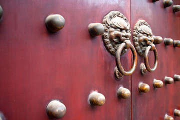 red chinese door as background