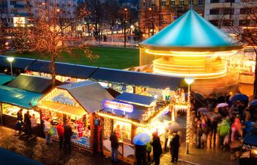 Weihnachtsmarkt, keine Gesichter erkennbar