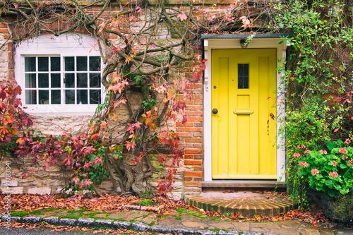Leinwanddruck Bild Front of English House