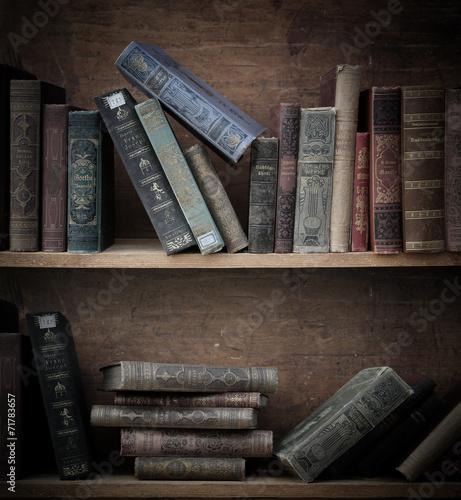 antikes Bücherregal. - 71783657