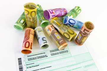Geld und Einkommensteuer